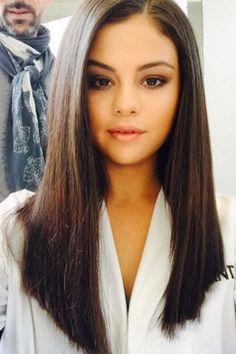 Selena-Gomez-Long-Straight-Haircut Most Glamorous Long Straight Hairstyles for Women Medium Long Hair, Medium Hair Cuts, Medium Hair Styles, Curly Hair Styles, Long Hair Cuts Straight, Naturally Straight, Straight Weave, Long Face Hairstyles, Straight Hairstyles For Long Hair