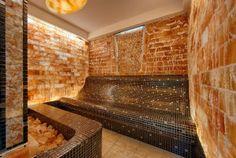 Salzstein-Tepidarium im Wellnesshotel Pulverer in Österreich. Genießen Sie eine großzügige Saunawelt mit 10 verschiedenen Saunen.