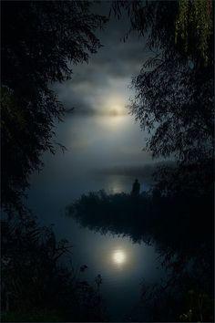 ideas nature night moonlight la luna for 2019 Beautiful Moon, Beautiful World, Beautiful Places, Beautiful Pictures, Shoot The Moon, All Nature, Nature Images, Nocturne, Belle Photo