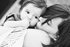 Amazing mother and baby photography in London. Natural family photoshoot on location and in the comfort of your own home. Book your family photographer now. Mother Baby Photography, Children Photography, Newborn Photography, Photography Poses, White Photography, Baby Boy Pictures, Newborn Pictures, Baby Photos, Family Pictures