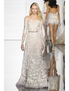 zuhair murad haute couture spring 2015 33 couture looks that belong in your dream wedding Zuhair Murad Haute Couture, Couture Dresses, Bridal Dresses, Designer Wedding Dresses, Wedding Gowns, Couture Fashion, Fashion Show, Couture 2015, Spring Couture