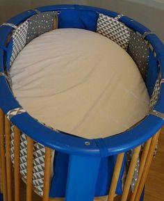 Tour de lit, patron maison. Ctheusine Diy, Chair, Furniture, Home Decor, Tutorial Sewing, Tour De Lit, Sewing, Home, Tricot