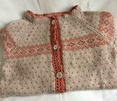 En deilig kofte strikket av Line garn. Knitting For Kids, Crochet For Kids, Knitting Projects, Baby Knitting, Knit Crochet, Nordic Sweater, Fair Isle Pattern, Fair Isle Knitting, Knit Fashion