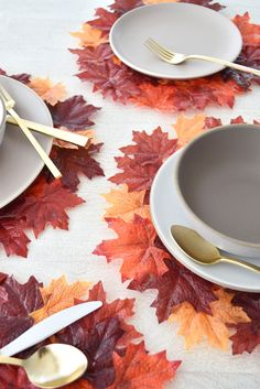 37 Best Leaf Craft Ideas to Help You Fall Into the Season - Fall deco - Fall Leaf Craft DIY Autumn Leaf Placemat - Thanksgiving Placemats, Thanksgiving Table Settings, Thanksgiving Crafts, Leaf Crafts, Diy Crafts, Diy Autumn Crafts, Autumn Leaves Craft, Leaf Projects, Diy Projects