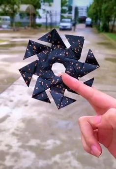 Instruções Origami, Paper Crafts Origami, Cool Paper Crafts, Diy Resin Crafts, Diy Crafts Hacks, Diy Crafts For Gifts, Cardboard Crafts, Crafts For Kids, Diy Crafts To Do