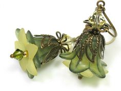 Green. Peridot? Aren't these lovely? I collect earrings. All of these would be a wonderful addition.