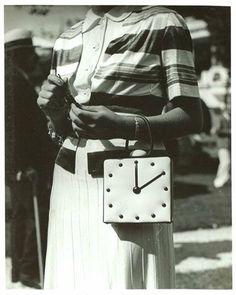 Vintage 30s Clock Purse 1930s Accessories Mlle Scarlet Gresham Aux Courses à Deauville