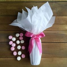 Starting to think about a New Year's Eve wedding. A few bubbles. Tick. Some sweet treats. Tick. Wrap with pink bow. Tick #giftwrapping #giftwrap#giftwrapped #wrappingpaper#bows#champagne#bubbly #newyearseve #nye #nyewedding #weddingbubbles