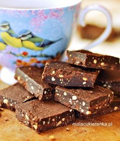 Zdrowsze czekoladki z czterech składników, wegańskie, bez cukru Cookie Desserts, Cookie Recipes, Dessert Recipes, Healthy Deserts, Healthy Cake, Healthy Food, Low Calorie Recipes, Healthy Recipes, Cheat Meal
