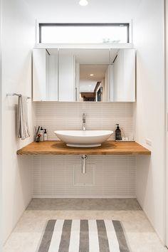 tone | 注文住宅なら建築設計事務所 フリーダムアーキテクツデザイン Bathroom Splashback, Washroom Design, Fixer Upper House, Wall Mounted Sink, Powder Room Design, Small Space Design, Natural Interior, Bathroom Toilets, Dream Bathrooms