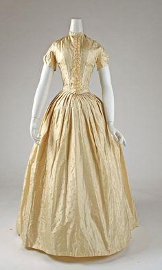 1841-46 Dress
