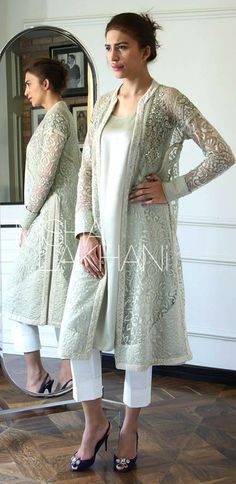 Pin by afreen on women's fashion in 2019 India Fashion, Asian Fashion, Women's Fashion, Indian Attire, Indian Wear, Pakistani Outfits, Indian Outfits, Salwar Designs, Desi Clothes