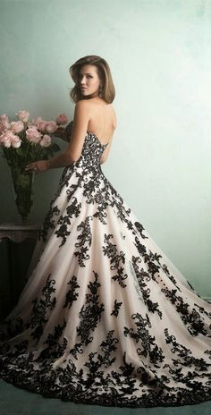 crema con negro vestido novia…