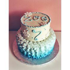 Character Cakes, Frozen Cake, Bakery Cafe, Cake Gallery, Baked Goods, Snowflakes, Ruffles, Birthday Cake, Baking