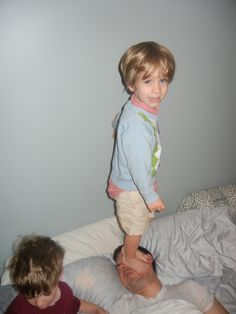 The Best Part of Waking Up is My Kids Standing on My Face Feet Alarm Clock Fail ---- best hilarious jokes funny pictures walmart humor fail American Funny Videos, Funny Dog Videos, Funny Kids, The Funny, Funny Boy, Stupid Funny, Funny Cartoons, Funny Jokes, Funny Laugh