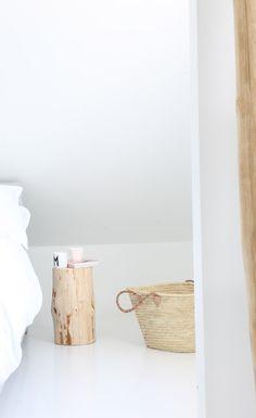 Blanc et bois clair  Epuré, apaisant et lumineux