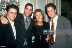 Friends Tv Show, Chandler Friends, Serie Friends, Friends Scenes, Friends Cast, Friends Moments, I Love My Friends, Friends Forever, Jennifer Aniston 90s