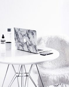 Home Office Design I - November 27 2018 at My New Room, My Room, Marble Room, Home Office Decor, Home Decor, Office Ideas, Interiores Design, Macbook Pro, Decoration