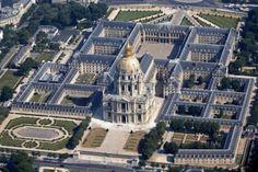 L'Hotel des Invalides e la Chiesa di St. Louis dall'alto #Parigi #Paris - Foto di Charles Platiau