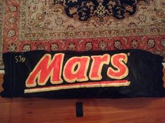 OVERSIZED Mars® Bar! Charlie and the Chocolate Factory come true! (Does not contain real chocolate, nougat and caramel! Instead it contains tough newspaper!)