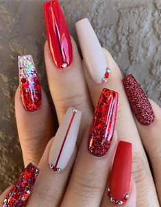 44 Trends Women 2019 with Acrylic Coffin Nails – – Winter Nails Acrylic - Water Red Nail Art, Red Acrylic Nails, White Nail Art, Red Nails, Navy Nails, Cute Christmas Nails, Christmas Nail Designs, Kids Christmas, Red And White Nails