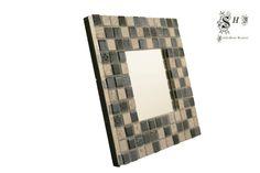 Espejo de pared y sobremesa, teselado con mosaico en tonos negro y plateado con dibujos en relieve.  Ideal para decorar y personalizar el hogar.  Acabado en terciopelo negro.  - ESPEJO MOSAICO BLACK & SILVER - hecho a mano por SoniaGL en DaWanda