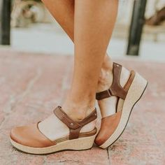 Closed Toe Wedge Sandals - Summer Shoes for Women Low Heel Sandals, Low Heels, Flat Sandals, Trendy Sandals, Chunky Sandals, Block Sandals, Trendy Shoes, Women Sandals, Wedge Heels