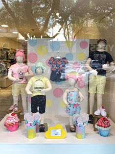 Baby Store Display, Store Displays, Clothing Store Design, Kids Store, Kids Outfits, Children, Kids Clothing Stores, Clothing Store Displays, Window Wall Decor