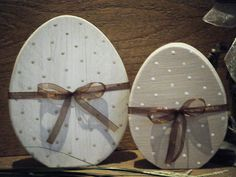 Shabby Chic Home Decor Easter Projects, Easter Crafts, Spring Crafts, Holiday Crafts, Easter Bunny, Easter Eggs, Diy Ostern, Wood Ornaments, Decoration Table