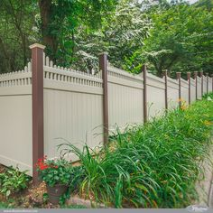 Ridiculous Tips Can Change Your Life: Free Standing Lattice Fence backyard fence sweets.Fence Planters How To Build steel fence entrance.Fence Planters How To Build. Backyard Privacy, Backyard Fences, Garden Fencing, Outdoor Privacy, Backyard Ideas, Vinyl Fence Panels, Privacy Fence Panels, Vinyl Fencing, Wood Fences