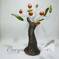 Δέντρο Ροδιά, γλυπτό από πηλό