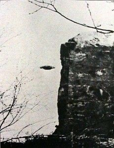 More old UFO photos: http://www.top10ufo.com/old-ufo-photos-gallery-2/