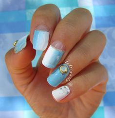 Pedrìnails - Nostalgia di fine estate - Skittlette manicure half-moon manicure in vertical gradient + accent con decorazione 3D Lady Queen Online Shop https://www.facebook.com/shorthaircutstyles/posts/1761678504122589