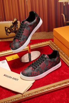 The best collection of LUIS VUITTON shoes to wear in all kinds of events. Modern designs for men, women and children. Luis Vuitton Shoes, Zapatos Louis Vuitton, Front Row, Modern Design, Presents, Children, Sneakers, How To Wear, Collection