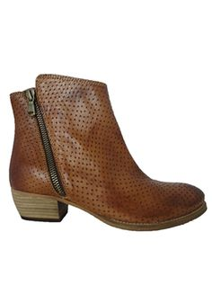 Street Legal: EOS Erin, a beautiful pin punched soft leather upper made in Portugal. Winter Shoes, Eos, Soft Leather, Latest Trends, Footwear, Booty, Portugal, Autumn, Beautiful