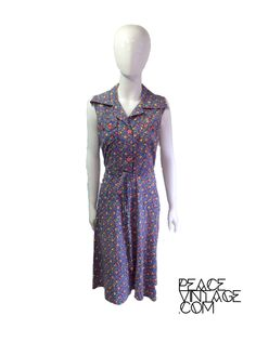 Vintage 70s floral midi day dress red buttons by Peacevintageshop on Etsy