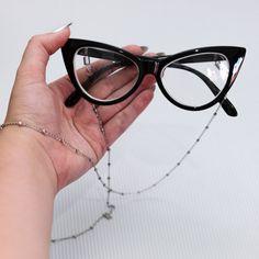 9b4a696f4 Corrente de Óculos de bolinhas (cordinha de óculos) - É tipo audrey