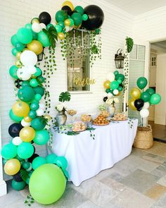 Good Snap Shots first Birthday Balloons Concepts Birthday celebrations are generally substantial activities around households and also you should dec Simple 1st Birthday Party Boy, Jungle Theme Birthday, Jungle Theme Parties, Safari Theme Party, First Birthday Party Themes, Wild One Birthday Party, Dinosaur Birthday Party, 1st Boy Birthday, Boy Birthday Parties