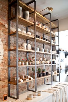 Talk about curb appeal! Mint Floral Co. already had a beautifully designed storefront that was perfectly in line with the origi… in 2020 Cafe Interior Design, Cafe Design, House Design, Spa Design, Retail Interior, Diy Bedroom Decor, Diy Home Decor, Coffee Shop Design, Shop Interiors