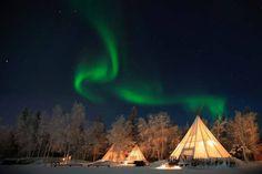 Il cielo del Canada si tinge dei colori dell'aurora boreale. Uno spettacolo incantevole