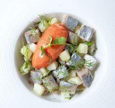 Salsa van aardappel met maatjes en ijs van tomaat en wodka