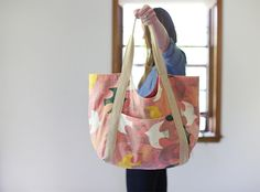 Spring Poolside Tote // noodlehead - I WANT THIS PATTERN!!!!  I will be making this as soon as the pattern is out!!