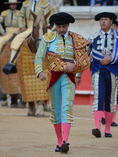 Enrique Ponce, Nîmes 2017. Paseillo. Corta 3 orejas y sale por la Puerta de los Cónsules