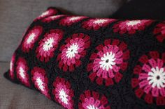 Happy Pillow using Flowers in the Snow pattern, FREE on Ravelry. Just stunning, thanks so xox