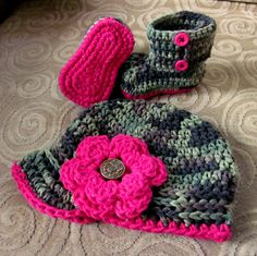 Camouflage Camo Baby Girl Hat and Booties Crochet Pink Flower