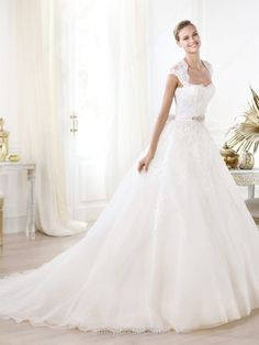 Ball Gown Queen-anne Tulle Lace Court Train Beading Wedding Dresses