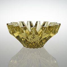 AIMO OKKOLIN, SKÅL. Sign. Aimo Okkolin Riihimäen Lasi Oy. - Bukowskis Glass Design, Design Art, Art Nouveau, Mosaic Diy, Retro Art, Retro Vintage, Scandinavian Art, Glass Flowers, Stained Glass Windows