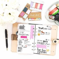 This week in my nude Filofax! Love my dachshund stickers from @neonjennink! Inserts are on my blog & shops are tagged!  #kikkiklove #kikkik #kikkikplannerlove #plannerlife #plannerlove #plannernerd #planneraddict #plannergoodies #organizewithchar #planningwithbelinda #belindaweekly #studiocalico #filofax