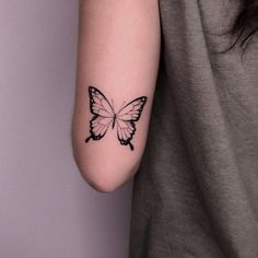 Vintage Butterfly Tattoo, Butterfly Tattoo Designs, Little Tattoos, Small Tattoos, Cool Tattoos, Hand Tattoos, Tattoos That Mean Something, Tattoo Quotes For Women, Discreet Tattoos