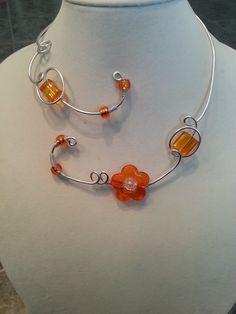 """Collier en fil d'alu"", ""Bijou orange"", ""Collier ouvert orange"" : Collier par bijouxlibellule"